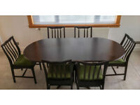 Mahogany dining table extends to 6' with 6 dining chairs, green Dralon and sideboard