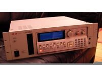 Akai s3000i Digital Sampler 16-bit sound, like MPC, not Roland, Emu, Yamaha Dance House DAW Trance