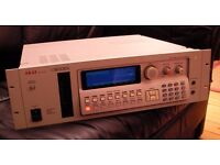 Akai s3000i Digital Sampler 16-bit sound, like MPC, not Roland, Emu, Yamaha dance techno EDM