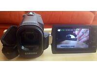 Samsung SMX-F40BP/XEU Digital Camcorder/Handycam, Charger and 8GB Memory card