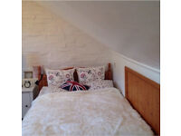 Stylish attic room in friendly central Guildford houseshare