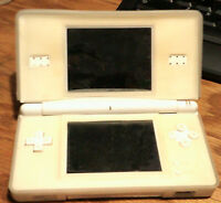 NINTENDO DS LITE WITH 20 GAMES LIKE NEW CONDITION WITH SILICON C