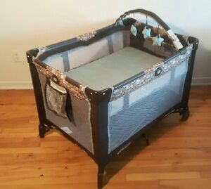 GRACO Playpen, pack n play / parc bassinette