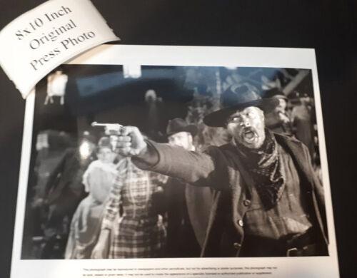 Back to the future ORIGINAL press photo 8x10 inch Michael J Fox Spielberg W