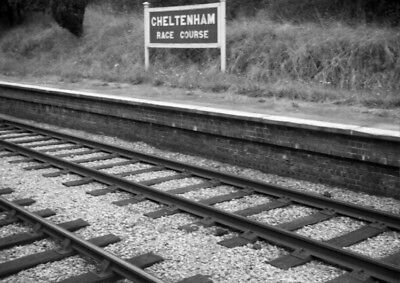 PHOTO  GWR CHELTENHAM RACE COURSE RAILWAY STATION NAMEBOARD