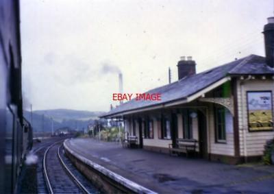 PHOTO  DALBEATTIE RAILWAY STATION COLOUR IN SEPT 1964