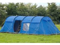 8 man tent comes with carpet and 4 rooms,used once! £300
