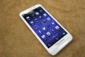 Rare White Blackberry Z30, Unlocked with case & charger