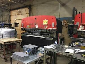 Amada CNC Up-acting blade Press Brake Model : RG-100 Control: Hurco Autobend 5C Capacity : 100 Tons Table length : 118.2