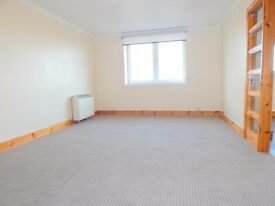 TWO BEDROOM, FRESHLY DECORATED, UNFURNISHED FLAT TO RENT - 77 LENZIE WAY, SPRINGBURN, G21 3TB - £495