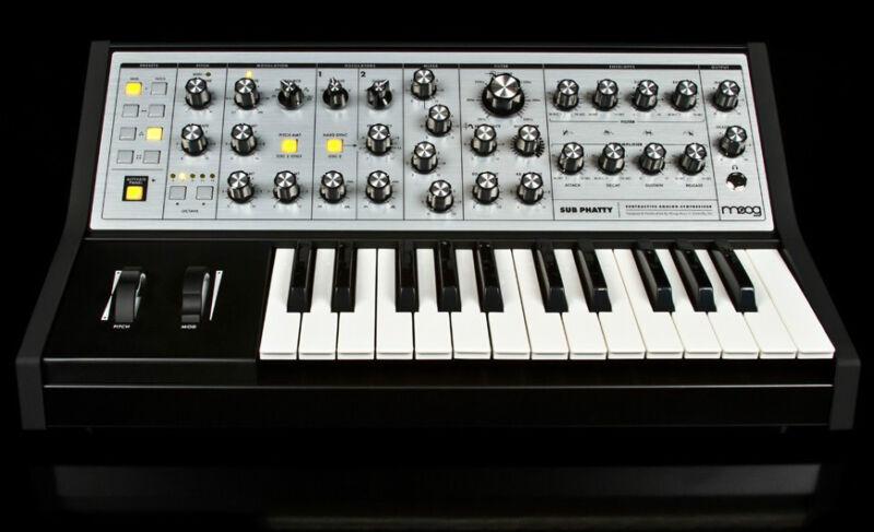 Moog Sub Phatty , Analog Synthesizer, Keyboard Synth Bass25 Key //armens//