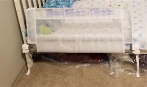 Small bed rail for crib or toddler bed