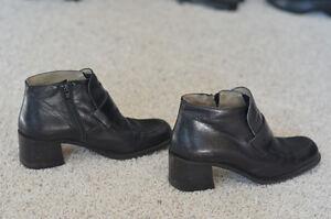Browns Ladies Ankle Boot size 8 Edmonton Edmonton Area image 4