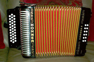 HOHNER CORONA II ( classic ) with Hard Case and straps