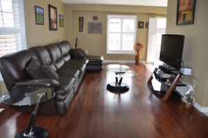 Two-story fully furnished end-unit townhouse for short-term le