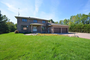 NEW PRICE - HIGH LIVING IN MANOTICK - CONVENIENT YET PRIVATE