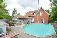Victorian Family Home on Double Lot in Almonte!...