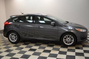 2016 Ford Focus SE- BACKUP CAM * HANDSFREE * HEATED SEATS