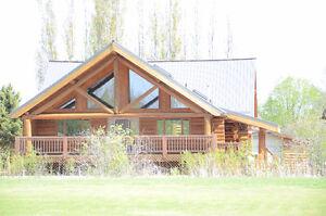 Beautiful 4 Season, 2 Storey Log Home!