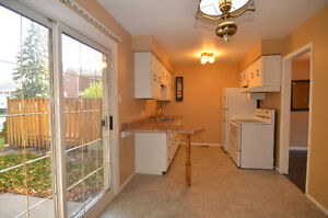 3 bedroom 2 bathroom north end townhouse  available 1  parking Sarnia Sarnia Area image 2