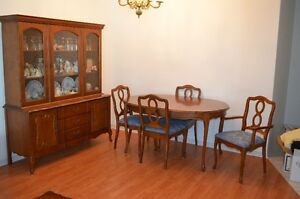 Canadian made 9 piece dining room set
