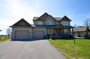 GORGEOUS 4 BDRM CUSTOM HOUSE - MOVE-IN READY - MAPLE FOREST ESTA