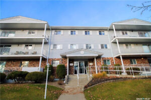 1500 sqft Condo on the West Side on Town