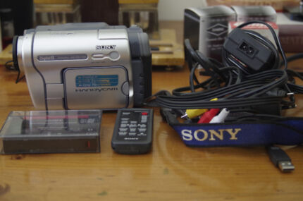 SONY HANDYCAM DCR-TRV265E Digital 8 Camcorder Clarendon Morphett Vale Area Preview