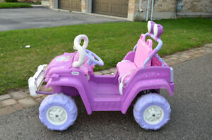 Little Tikes 12V Princess riding car