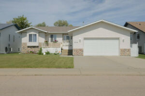 The Best of the Best - 3 Bed/3 Bath Bungalow