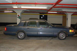 1992 Lincoln Town Car Signature