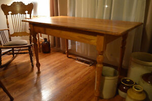 Beautiful Solid Oak Harvest-style Table