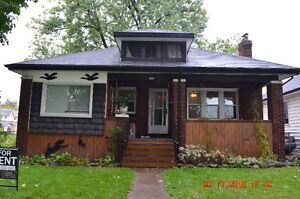 Lovely house, close to U of Windsor.
