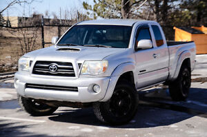 2006 Toyota Tacoma TRD SPORT 5 Speed Manual!!