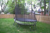 Large oval Springfree trampoline like new