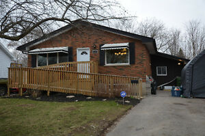 RENOVATED 3+2 BEDROOM HOME! 18 Rosemary Drive, Lindsay, ON
