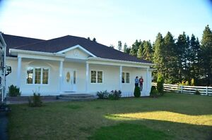 Waterfront 3 bed 2 bath bungalow in Lewisporte