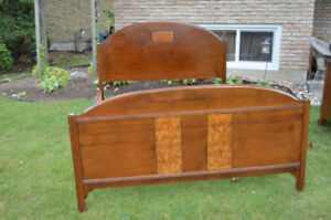 Beautiful vintage 1940's double bed frame