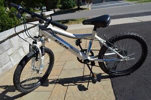 """Kids CCM 20"""" Bike"""