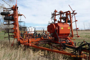 Cultivator with Anhydrous Applicator
