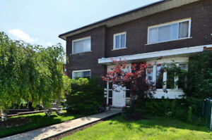 **Big 5½ Grand**Lachine O.**Bright & Charming**Clair et Charmant