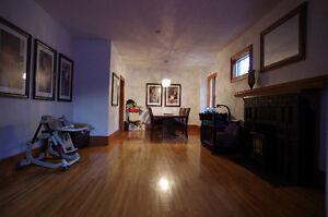 HUGE 4 bed + 1 bed basement suite - Motivated Seller! Regina Regina Area image 9