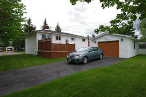INCOME PROPERTY NEAR UNIVERSITY MONCTON,NICE CORNER LOT