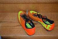 SOCCER SHOES-SIZE 8.5