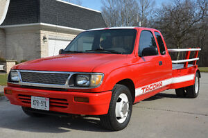 1995 Toyota Tacoma SuperCab Dually Flat Bed Truck London Ontario image 1