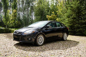 FULLY LOADED 2012 Ford Focus Titanium with remote starter