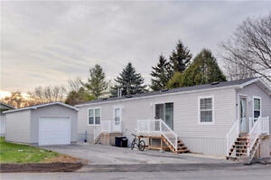 Great sized Mobile Home in Bells Corners built in 2013!
