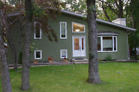 Perfect Starter Home in Lorette - only 15 minutes from Winnipeg