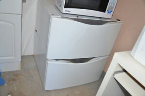 2 Whirlpool Laundry Pedestals for Washer & Dryer