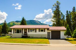 Lower Sparwood Home- Prime Location